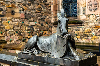 Guarding the entrance of the Scottish National War Memorial