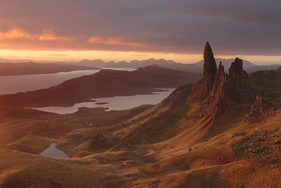 Old Man of Storr just before sunrise