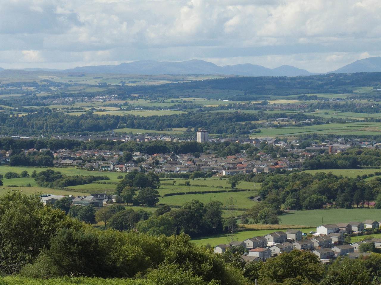 Johnstone and Elderslie from Glennifer Braes in Paisley