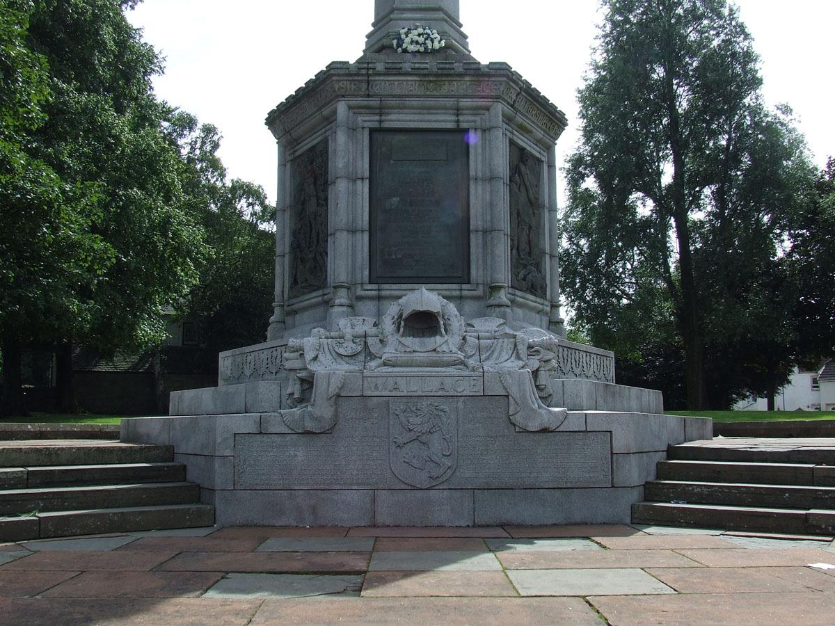 Wallace Memorial in Elderslie