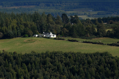 Knocklea  (taken 2. September 2009 from other side of the valley)