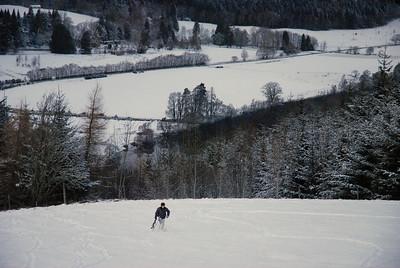 Snowboarden hiterm Haus