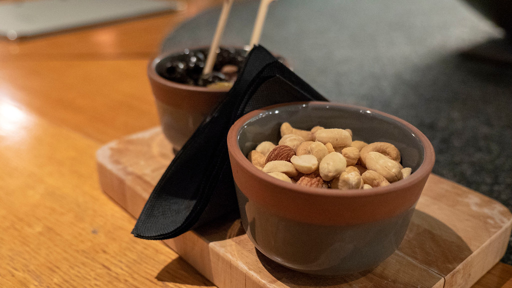 The Glasshouse Hotel in Edinburgh: Snacks at the Snug