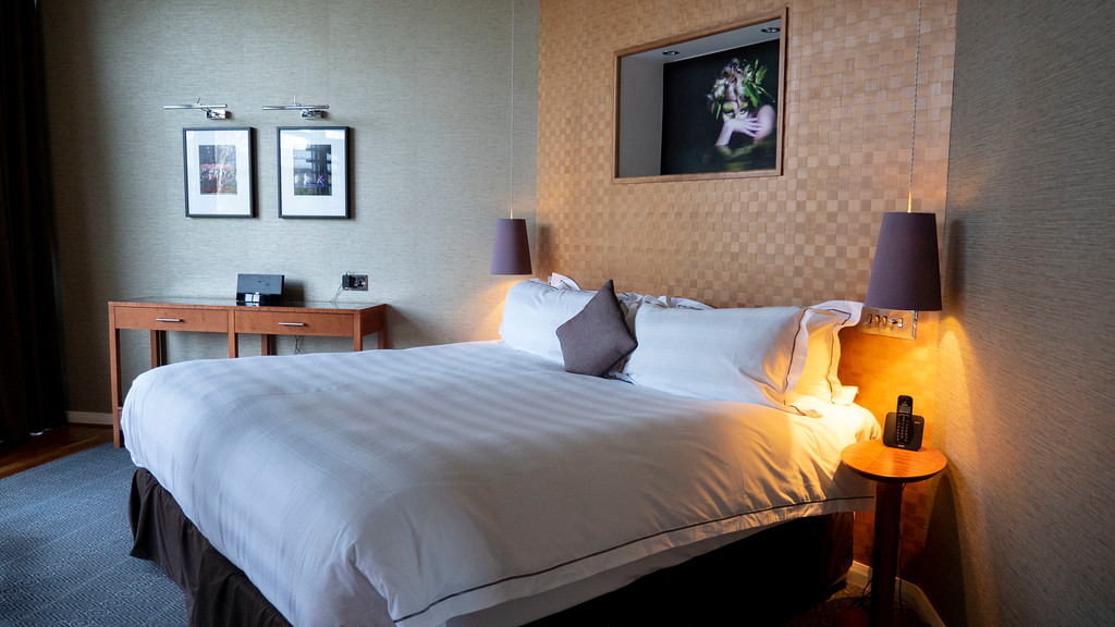 The Glasshouse Hotel in Edinburgh: The bedroom