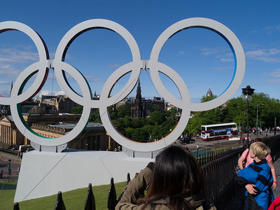 Olympic rings on The Mound with waverley in the background