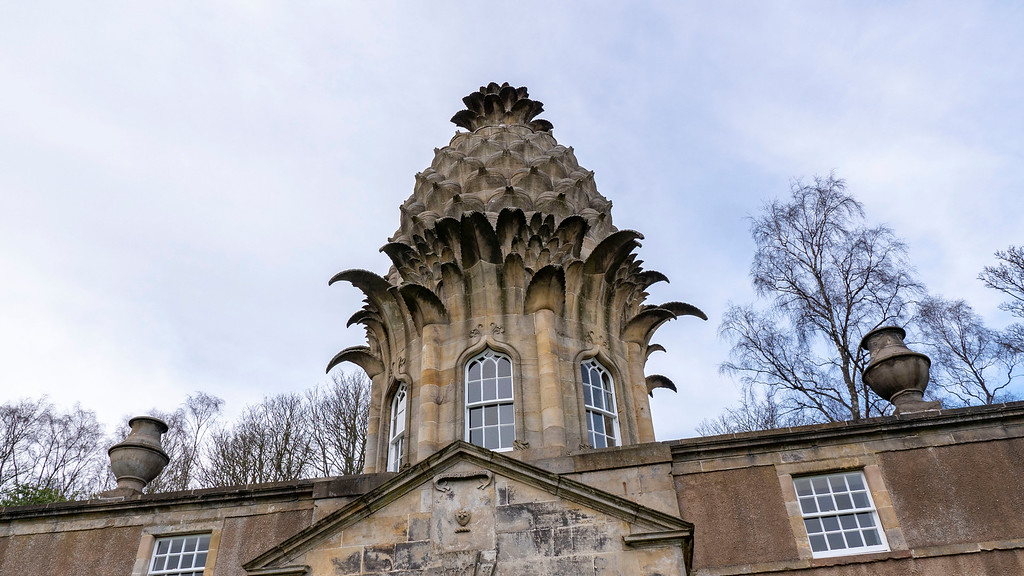 The Pineapple in Scotland - Falkirk - Dunmore Estate