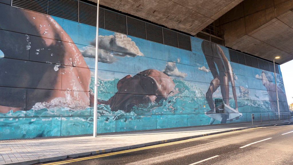 Glasgow Murals: The Swimmer