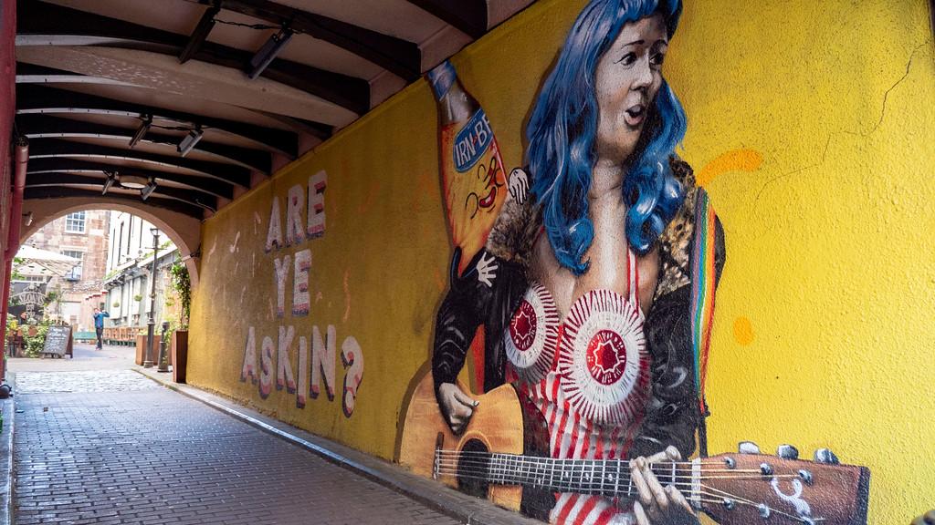Glasgow Graffiti: Are Ye Dancin / Are Ye Askin