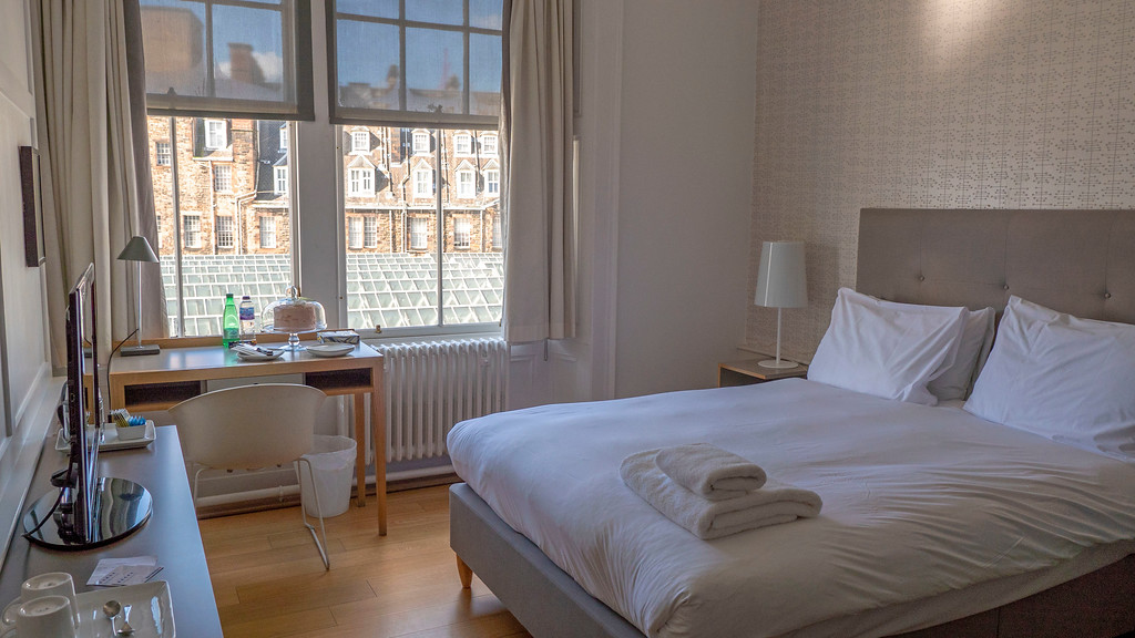 Grasshoppers Hotel: Where to Stay in Glasgow for the Best Holiday - Our Room