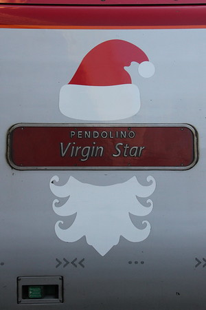 "Virgin Trains Pendolino 390 112 ""Virgin Star"" at Glasgow Central. 3 January 2015"