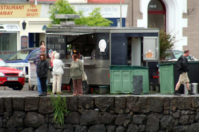 20100608 - 19 Fish and Chip van on Tobermory middle pier - IMG_2746