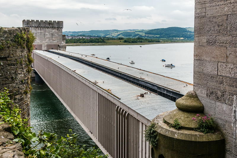 UK-WALES-CONWY-DOUBLE RAILROAD COVERED BRIDGE