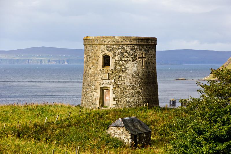 SCOTLAND-ISLE OF SKYE-UIG-CAPTAIN FRASER'S FOLLY