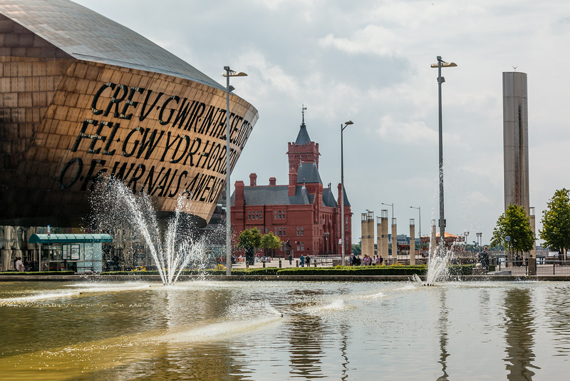UK-WALES-CARDIFF-CARDIFF BAY-WALES MILLENNIUM CENTRE/THE PIERHEAD