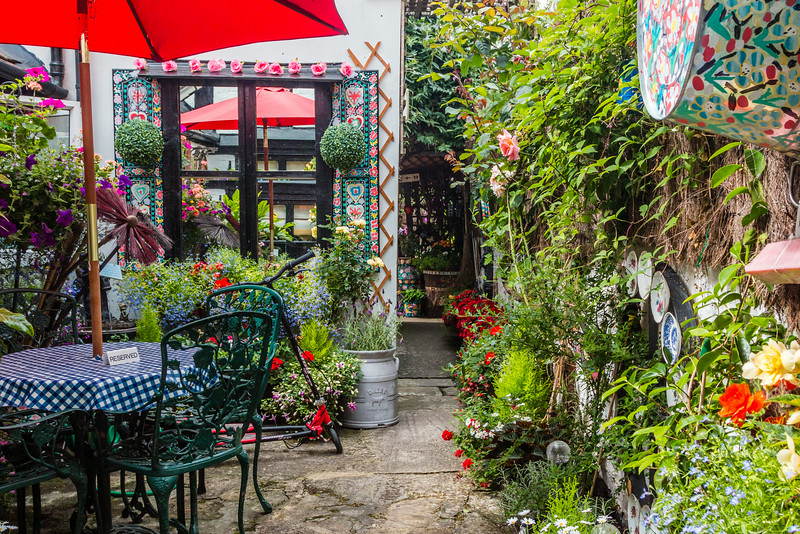 UK-THE COTSWOLD-TEWKESBURY-THE ABBEY TEAROOM