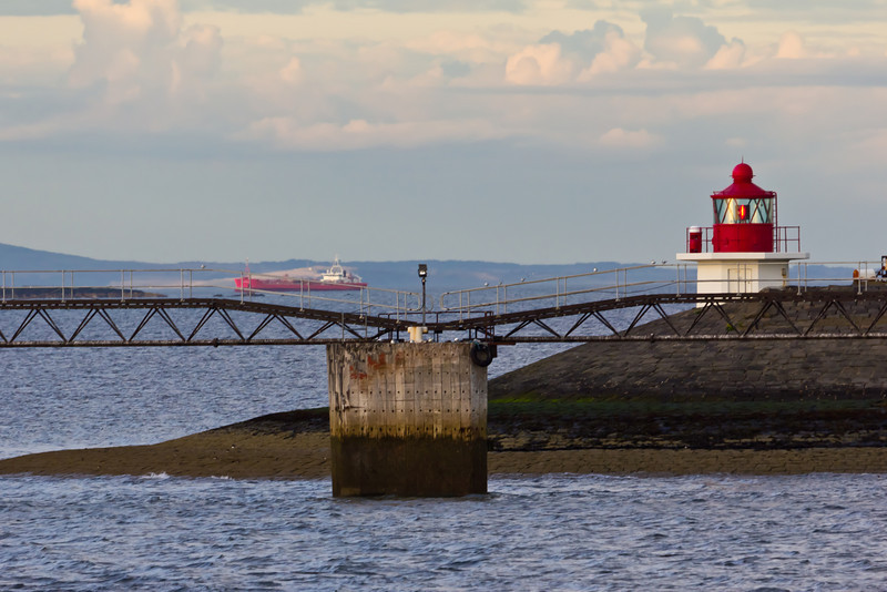 SCOTLAND-EDINBURGH-LEITH-EAST PIER LIGHT