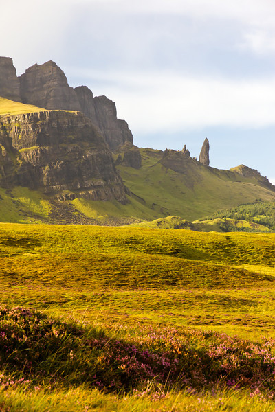 SCOTLAND-ISLE OF SKYE-THE STORR-OLD MAN OF STORR