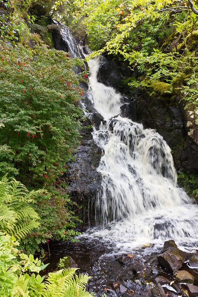 SCOTLAND-ISLE OF SKYE-DUNVEGAN CASTLE AND GARDENS-WATERFALLS