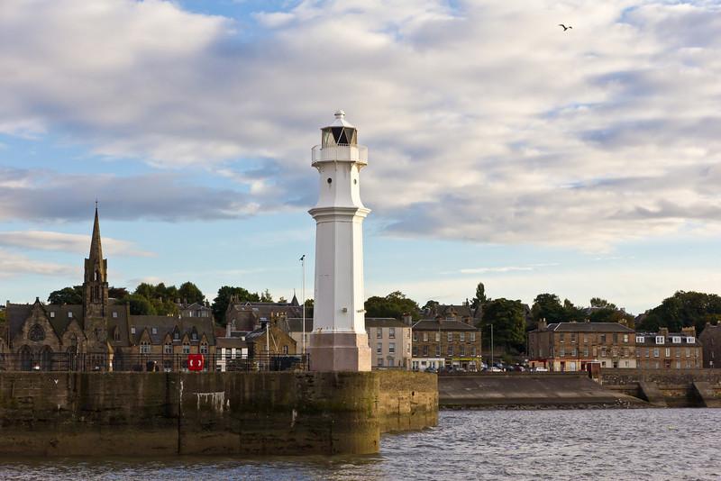 SCOTLAND-EDINBURGH-LEITH-WEST PIER LIGHT
