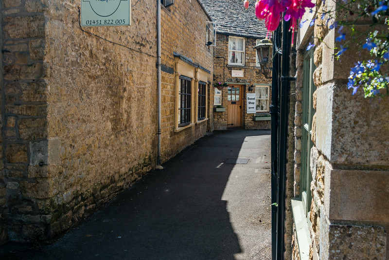 UK-THE COTSWOLD-GLOUCESTERSHIRE