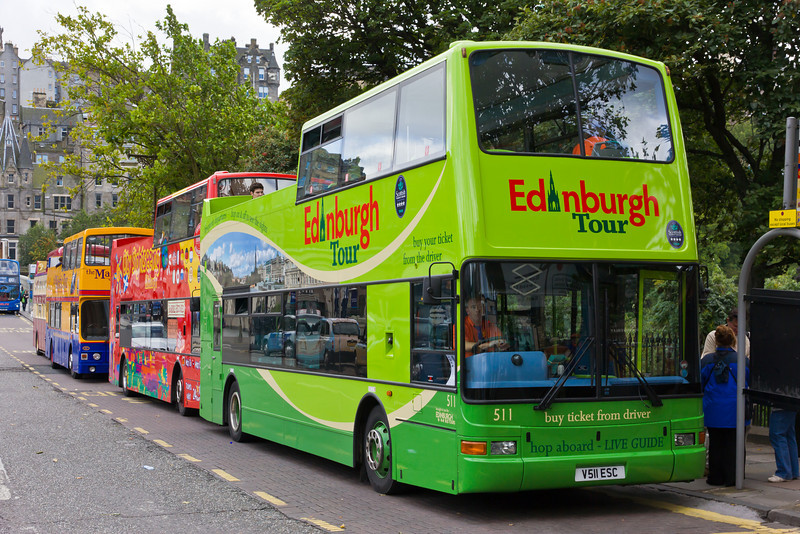 SCOTLAND-EDINBURGH-TOUR BUSES