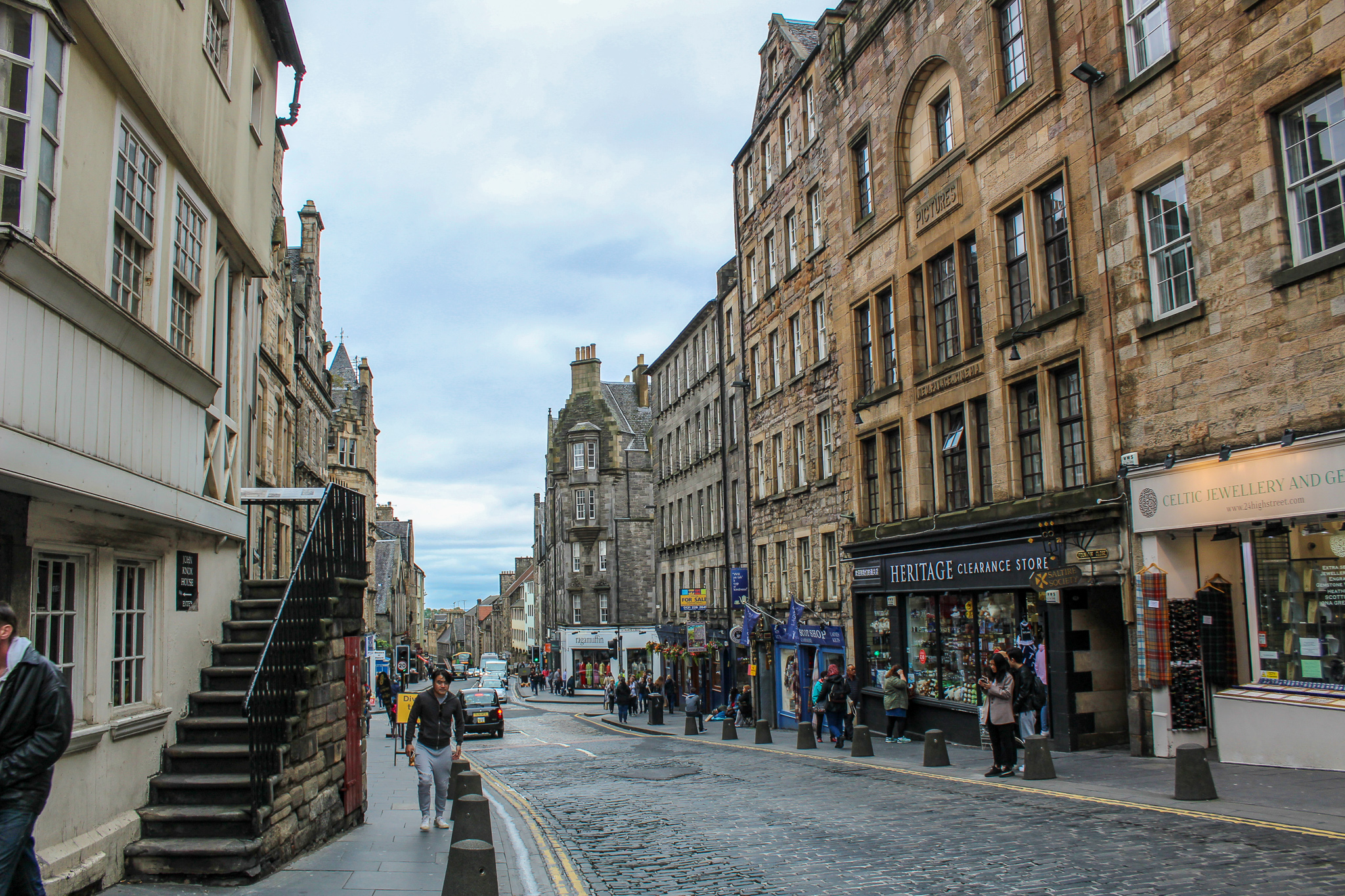 48 hours in edinburgh: don't miss out on all the royal mile has to offer