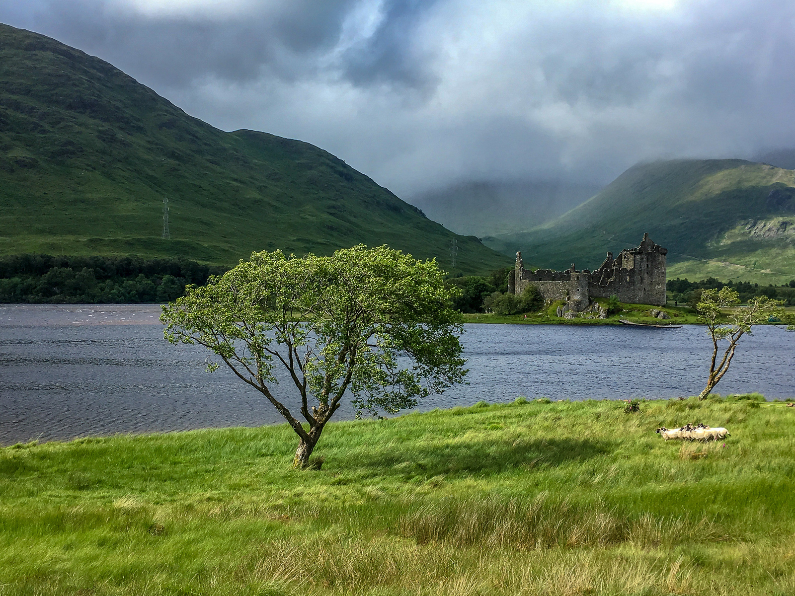 traveling to scotland? don't miss the castles!