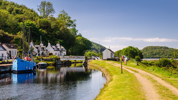 Boats on the Crinan Canal