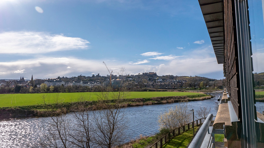 Stirling Luxury Apartments: The River Forth and Stirling Castle