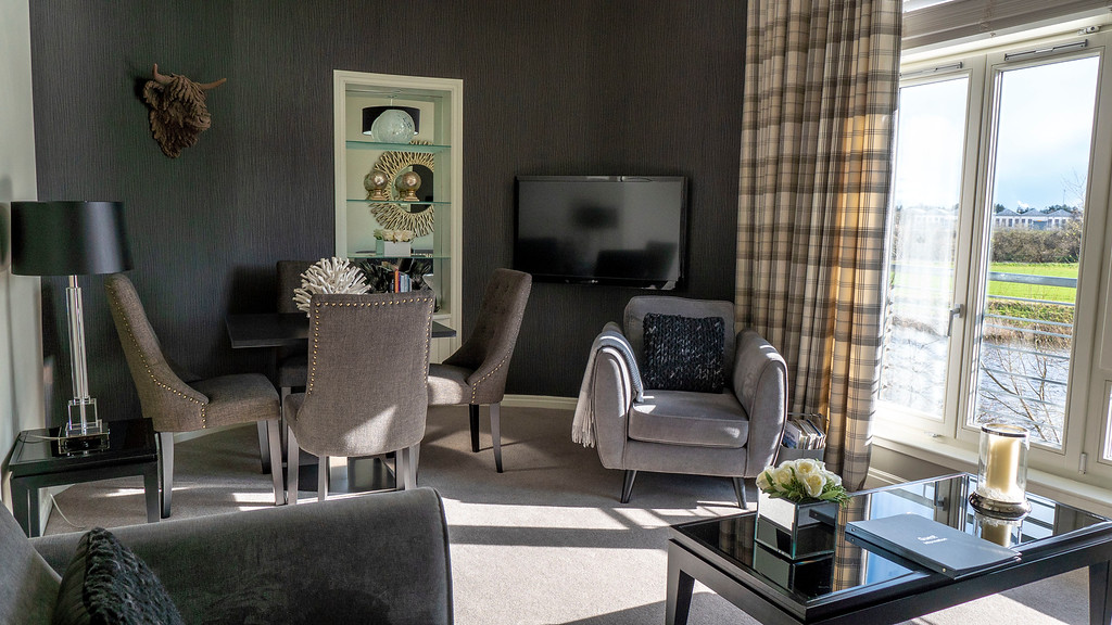 Stirling Luxury Apartments: Stirling accommodation living room