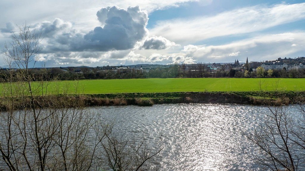 Stirling Luxury Apartments: The River Forth