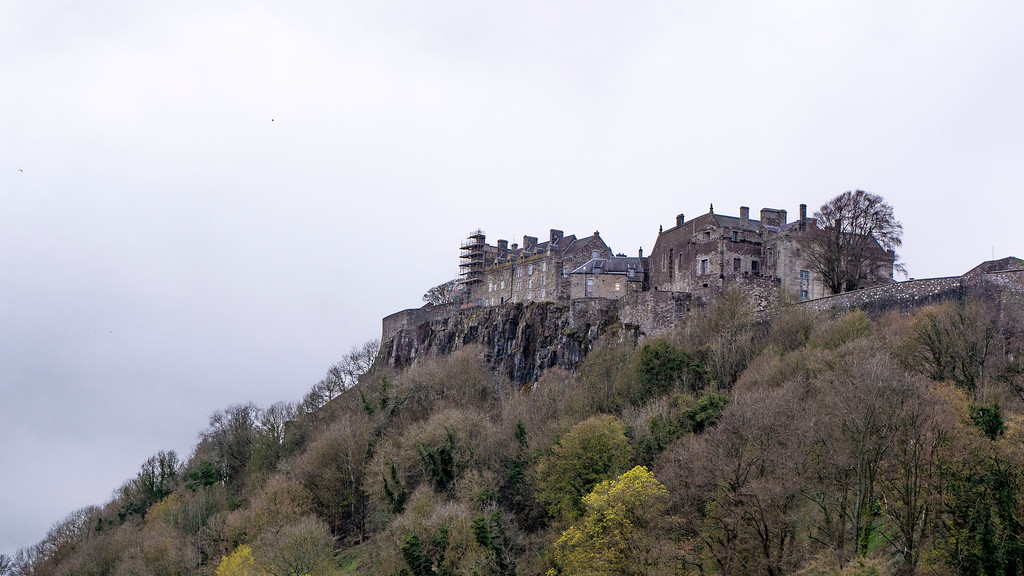 Views of Stirling Castle from the King's Knot. Top things to do in Stirling.