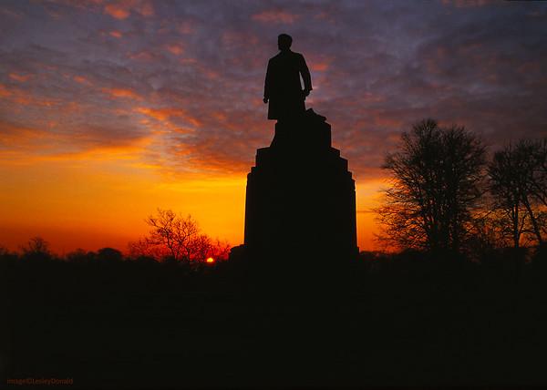Andrew Carnegie, Dunfermline