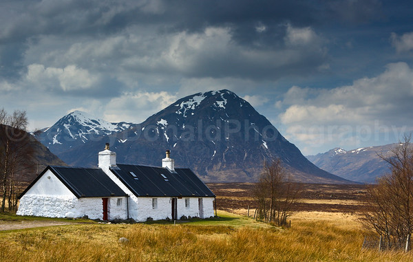 Cottage in Glencoe, Buachaille Etive Mhor behind