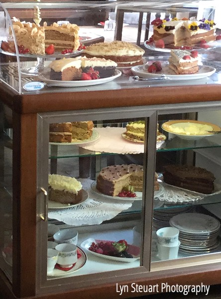 Glasgow The Butterfly & the Pig Tea Room - irresistible pastries and cakes!