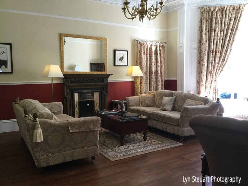 Sitting Room at Victoria Square Guest House om Stirling