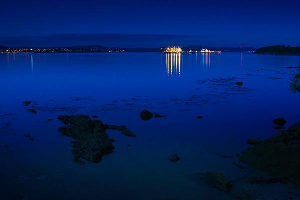 Hound' Point BP Oil Terminal, at night ©LesleyDonald