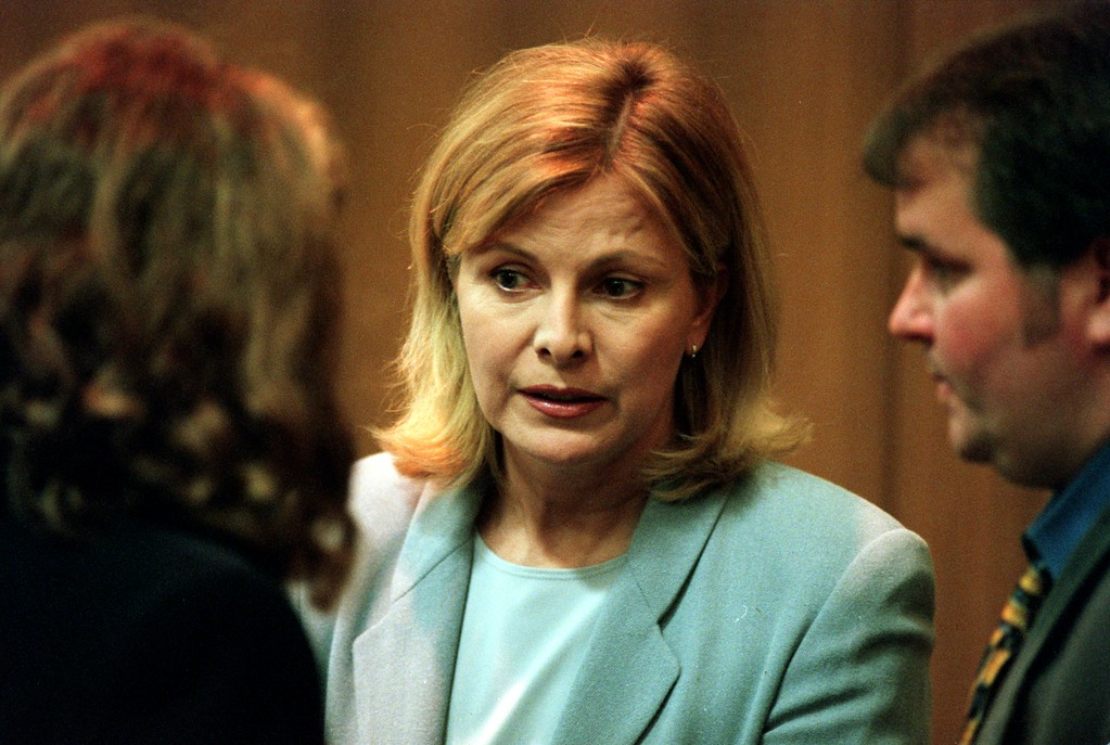 . TV talk show host Jenny Jones talks to friends in court before she was to testify in the $50 million wrongful death suit brought by the family of Scott Amedure against \'The Jenny Jones Show,\' in Oakland County Circuit Court in Pontiac, Mich., Monday, April 12, 1999.  Amedure\'s family is suing the show, distributor Warner Bros. and producer Telepicture Productions contending the show\'s \'ambush\' TV tactics drove Jonathan Schmitz to shoot Amedure.