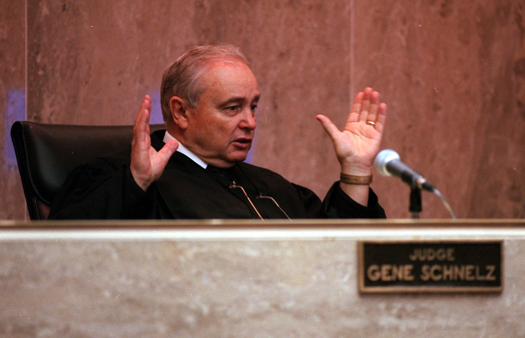 ". Judge Gene Schnelz address the attorney during arguments in the $50 million wrongful death suit brought by the family of Scott Amedure against ""The Jenny Jones Show\"" in Oakland County Circuit Court in Pontiac, Mich., Wednesday April 7, 1999.  The Amedure\'s family is suing the show distributor Warner Bros. and producer Telepictures Productions contending the show\'s \'ambush\' TV tactics drove Jonathan Schmitz to shoot Amedurein 1995 (AP Photo The Oakland Press, Charlie Cortez, Pool)"