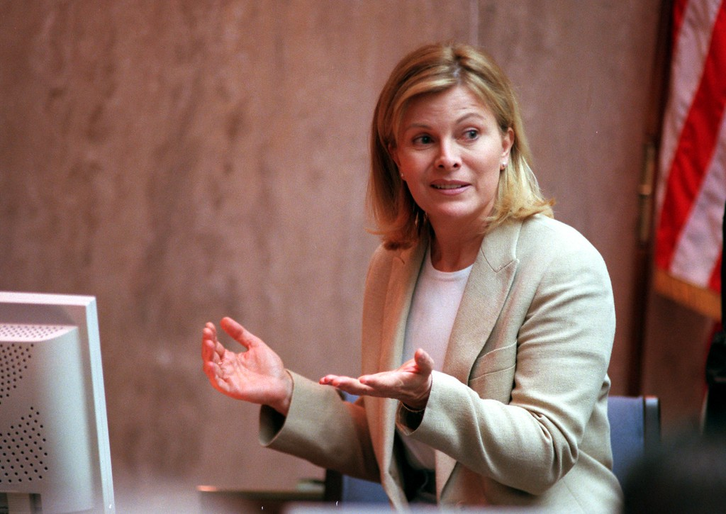 ". Talk show host Jenny Jones answers questions during testimony In Pontiac, Mich., Tuesday April 13, 1999, in the $50 million wrongful death suit brought by the family of Scott Amedure against The Jenny Jones Show in Oakland County Circuit Court in Pontiac, Mich, Tuesday, April 13, 1999. The Amedure\'s family is suing the show distributor Warner Bros. and producers Telepictures Production contending the show\'s ""ambush\"" TV tactics drove Jonathan Schmitz to shoot Amedure 1995. (Ap Photo The Oakland Press, Charlie Cortez, pool)"