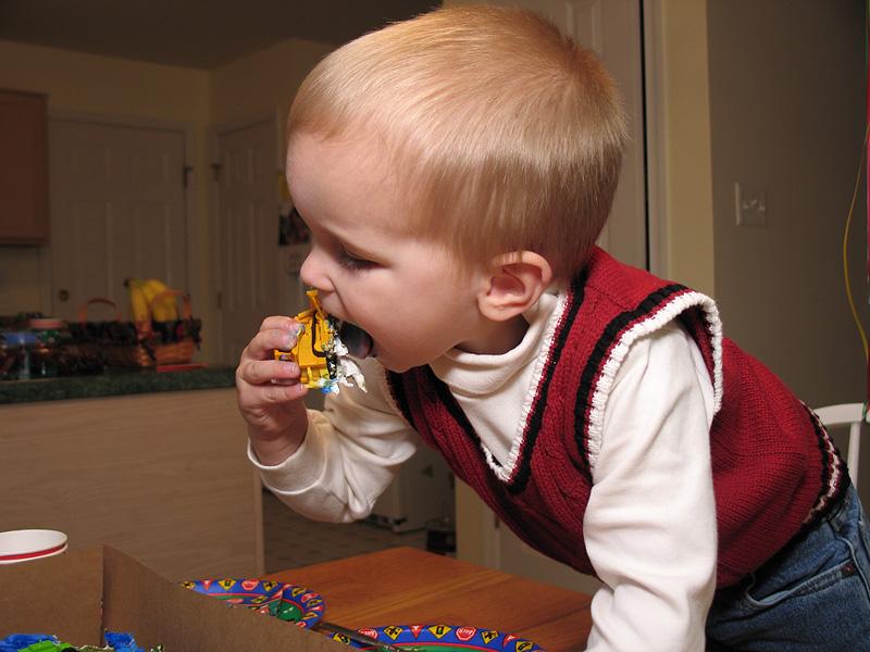November 29, 2004 - Canon G6