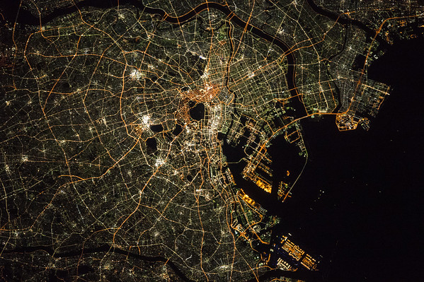 #Tokyo is unmistakable at night. #Greetings from @Space_Station #YearInSpace