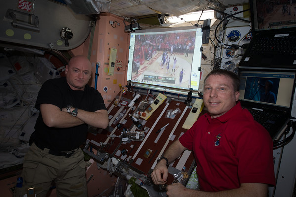Astro_Terry and I watching @HoustonRockets on @Space_Station #GoRockets! #YearInSpace