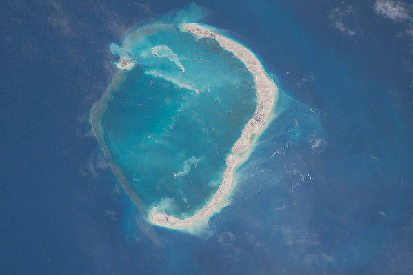 From @Space_Station looks like a serious expansion project on #SpratlyIslands in the #SouthChinaSea. #YearInSpace