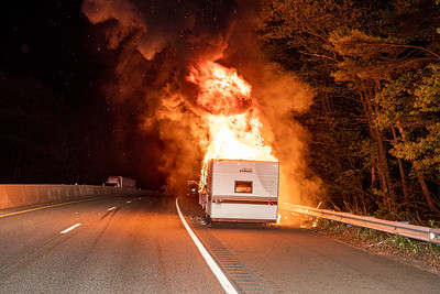 RV Fire - Rt 2 E/B Leominster Ma - 05/26/20