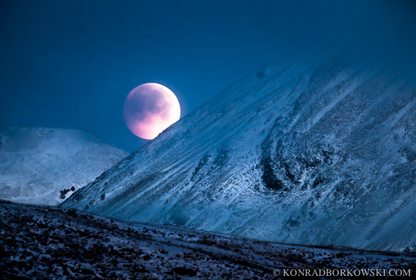 Solstice Lunar Eclipse over the Paps of Jura