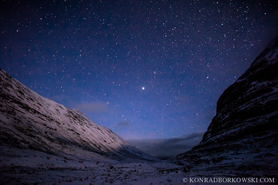 Starry Night. Path to Coire Mhic Nobuil between Liathach and Beinn Eighe, at night in Torridon, Scottish Highlands