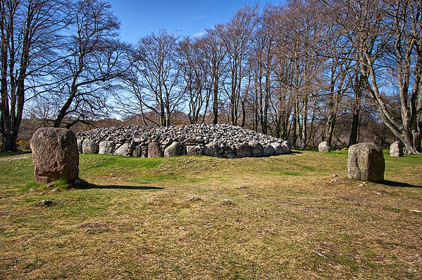 Clava Cairns Standing Stone and Chambered Passage Cairn