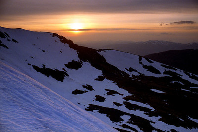 Evening on Geal Charn (the one across from Ben Alder).  8.45pm, 27/04/99