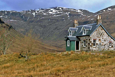 The Nest of Fannich.  14/04/80  ~ Most of this handsome house was locked and kept for estate use, but enough was left open to make a very comfortable bothy (right-hand room, kitchen, and one or two bedrooms). It was gutted by fire in 1991 and is now a roofless ruin.  A tragic loss, and it is hard not to wish the culprit/s a well-merited roasting in hell.